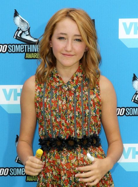 noah-cyrus-2013-do-something-awards-04.jpg